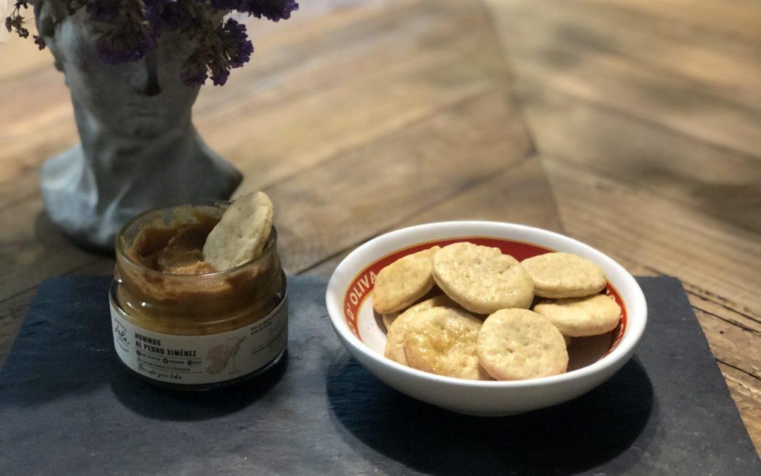 Galletas saladas con Hummus de Pedro Ximénez // Crackers with Pedro Ximenez Hummus